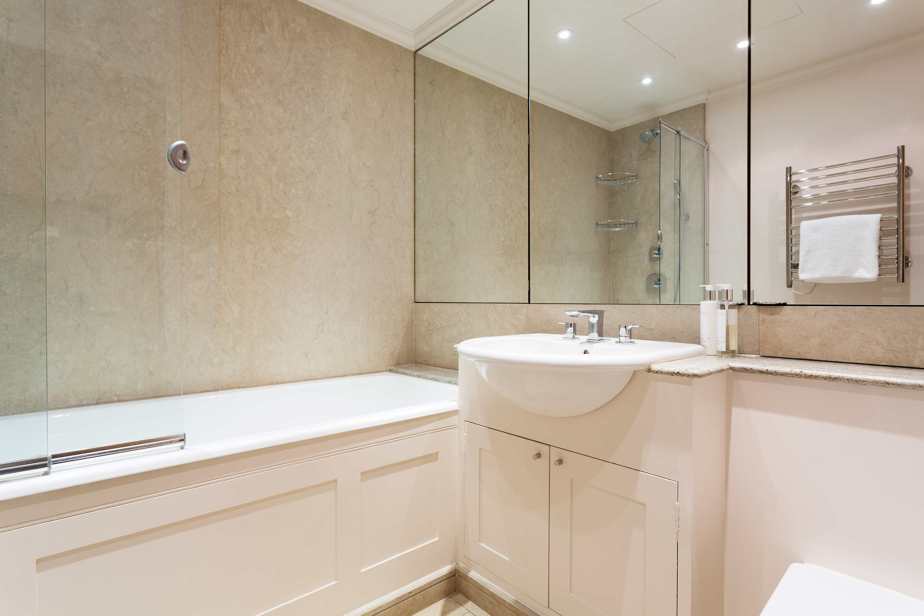 Bath at Redcliffe Retreat Apartment - Citybase Apartments