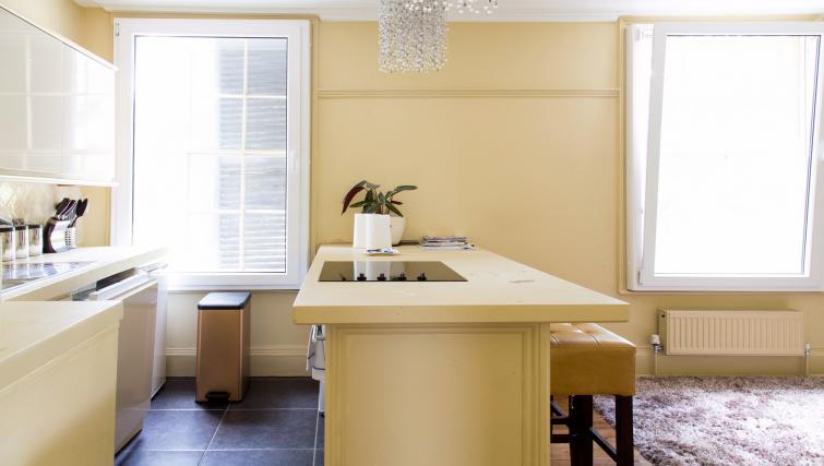 Kitchen counter at the Cambridge City Apartments - Citybase Apartments