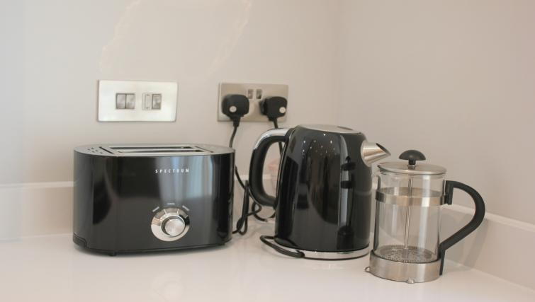 Kettle at the The Station Suite - Citybase Apartments