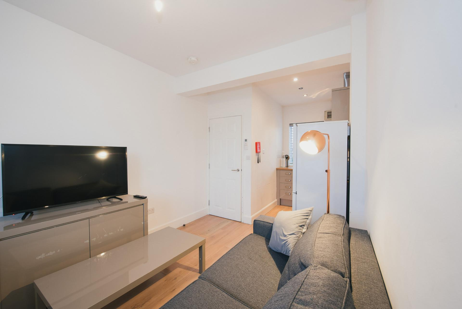 Living area at Arbury Road Apartments, Chesterton, Cambridge - Citybase Apartments
