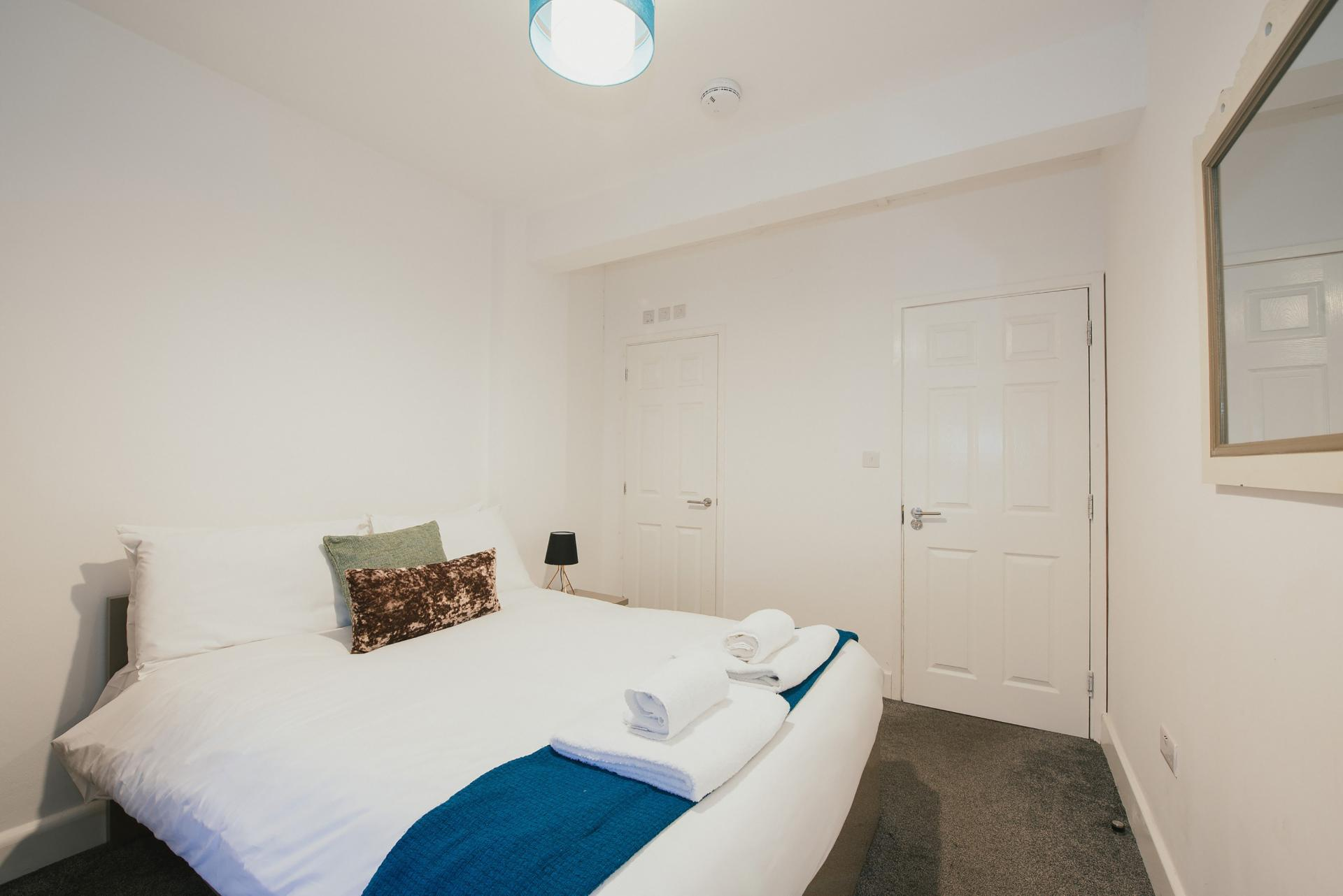 Bedroom at Arbury Road Apartments, Chesterton, Cambridge - Citybase Apartments