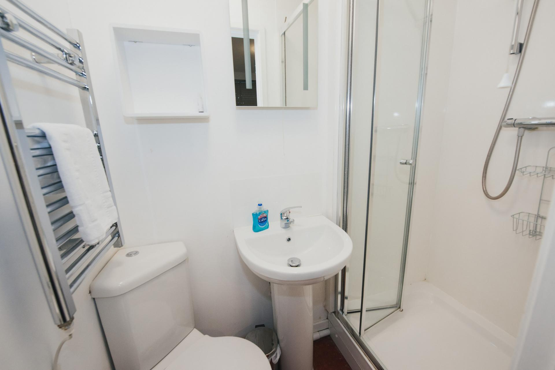 Bathroom at Arbury Road Apartments, Chesterton, Cambridge - Citybase Apartments
