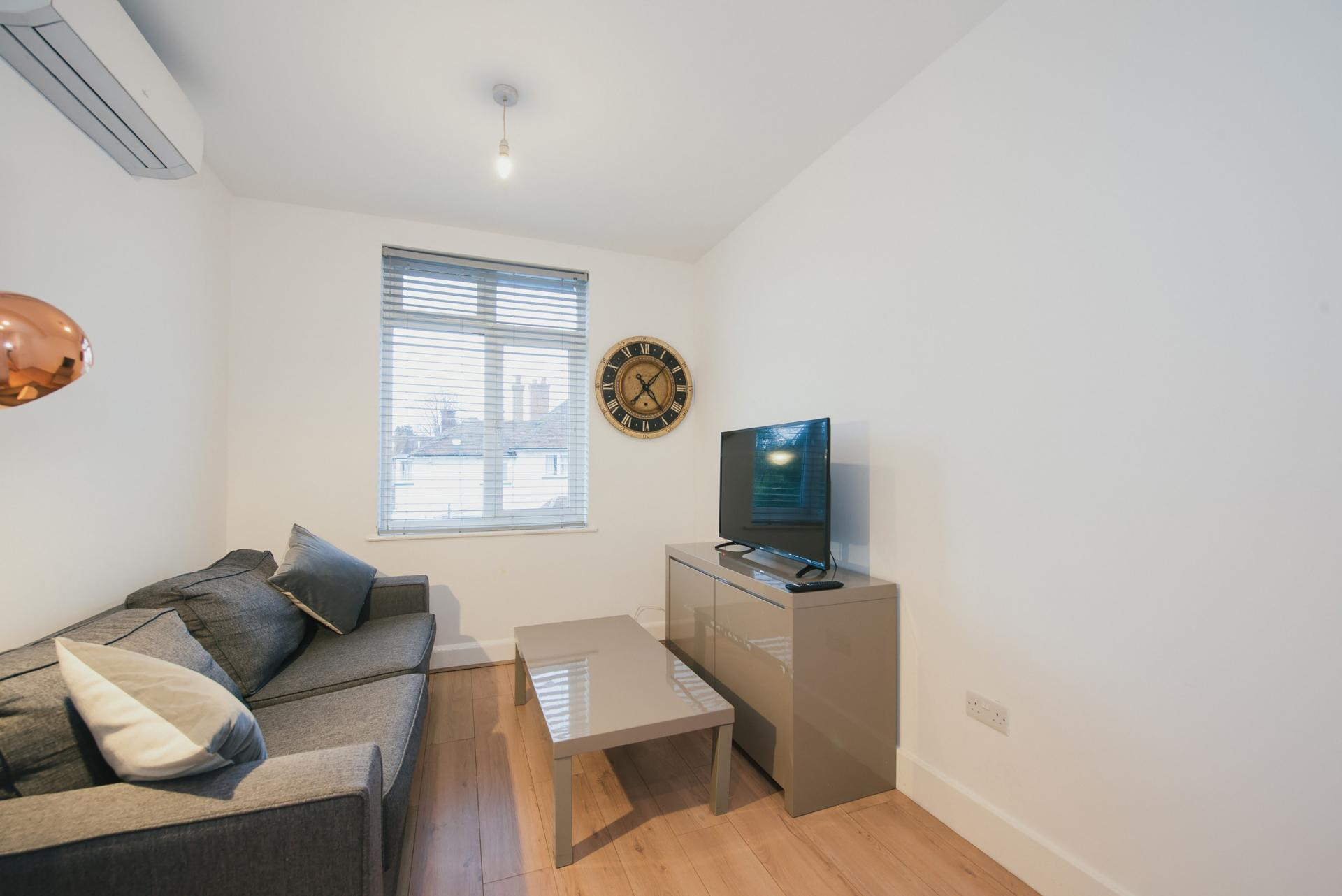 TV at Arbury Road Apartments, Chesterton, Cambridge - Citybase Apartments