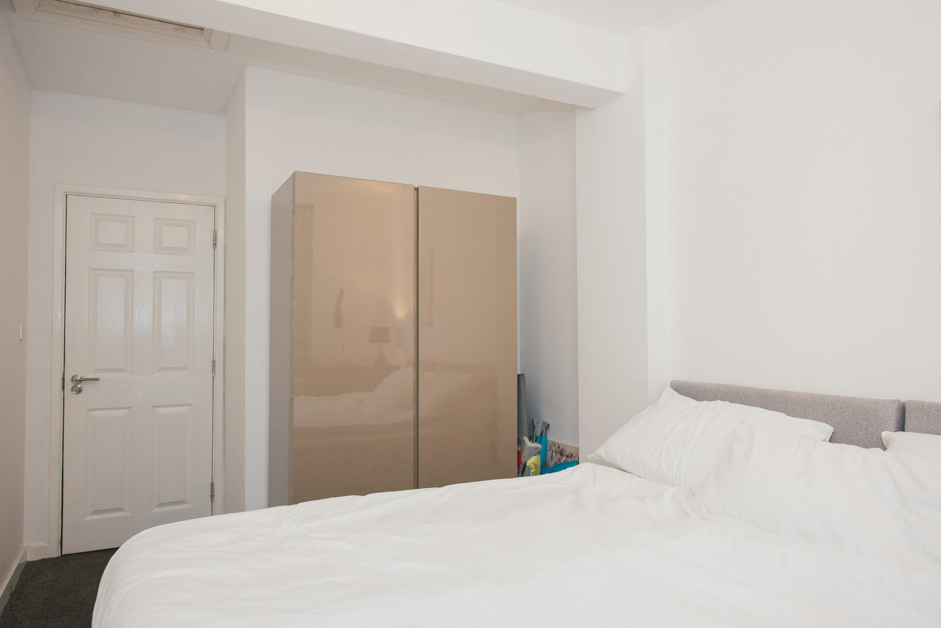 Wardrobe at Arbury Road Apartments, Chesterton, Cambridge - Citybase Apartments