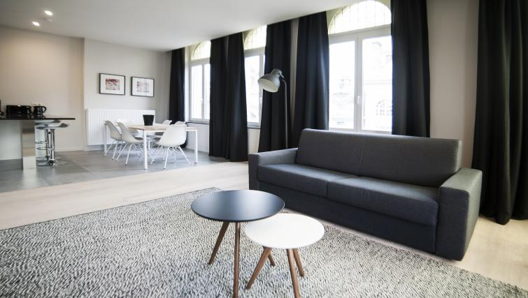 Modern chic living area at Smartflats Meir - Citybase Apartments