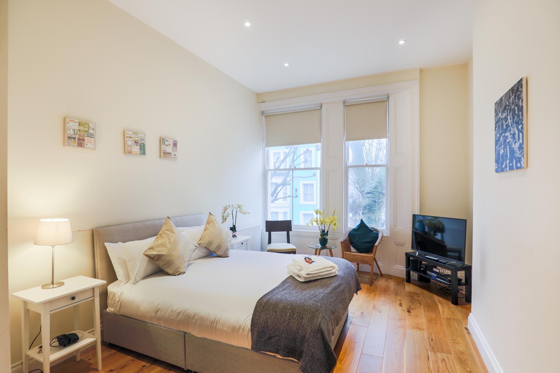 Pillows at Oxford Gardens Apartments - Citybase Apartments