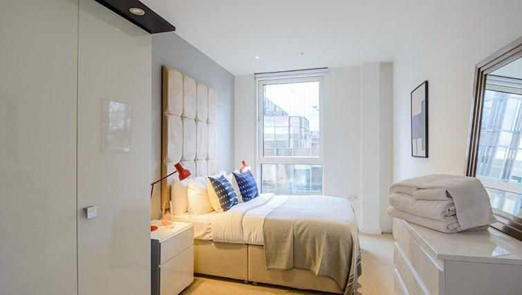 Bedroom at Victoria Street Apartments - Citybase Apartments