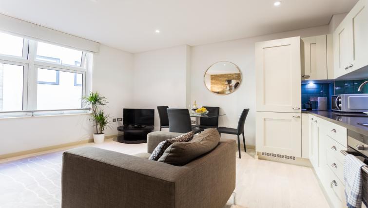 Living space at Farringdon Apartments - Citybase Apartments