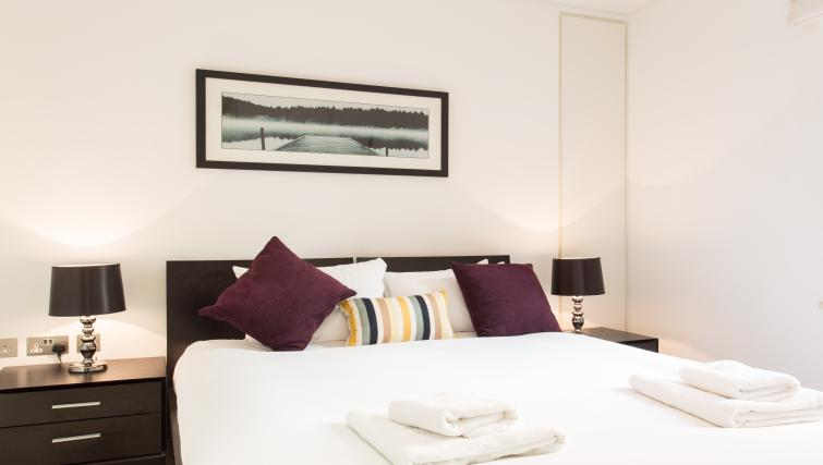 Double bed at Farringdon Apartments - Citybase Apartments