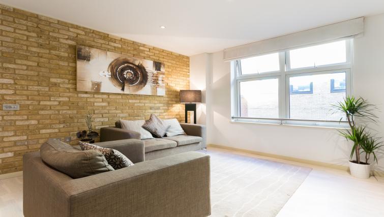 Living area at Farringdon Apartments - Citybase Apartments