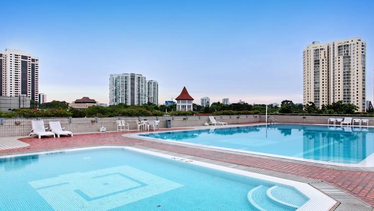 Pool at Far East Plaza Residences, Singapore - Citybase Apartments