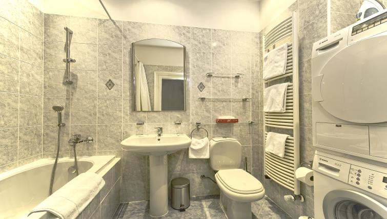 Full bathroom at Maiselova 5 Apartment - Citybase Apartments