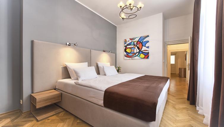 King size bed at Maiselova 5 Apartment - Citybase Apartments