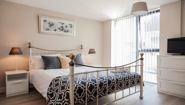 Cosy bedroom at The Bellerby Apartments - Citybase Apartments