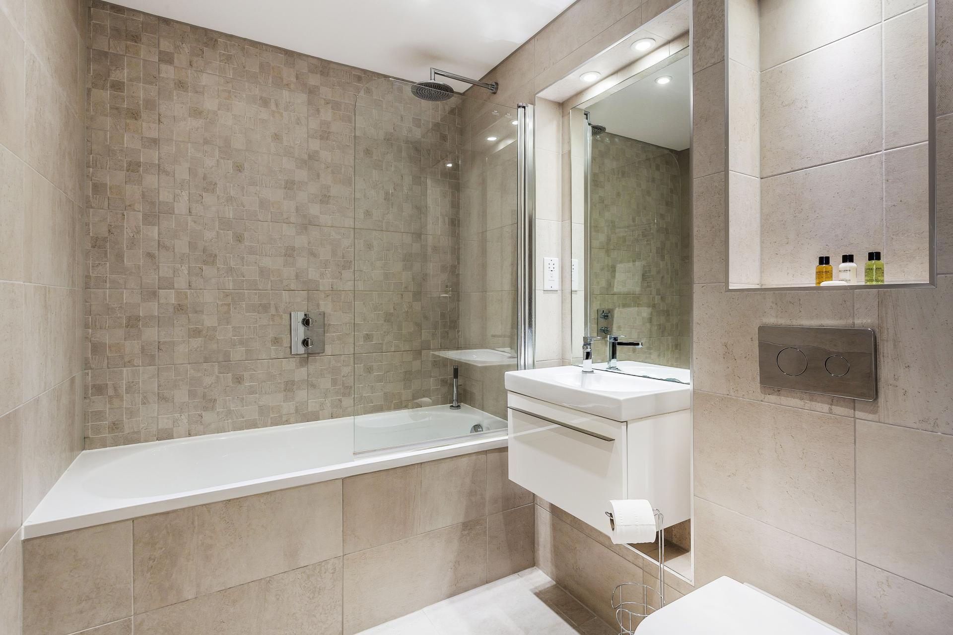 Bath at The Bellerby Apartments - Citybase Apartments