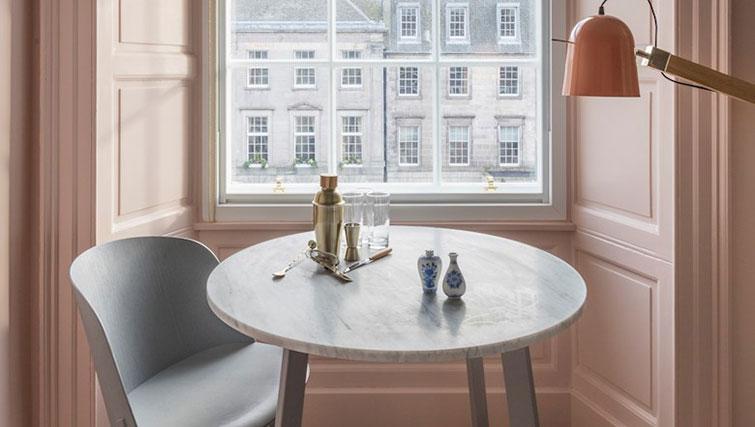 Table and chairs at SACO Eden Locke - Edinburgh - Citybase Apartments