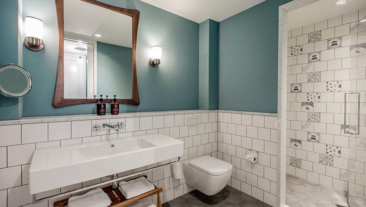 Pristine bathroom at Hotel Twenty Eight Apartments, Amsterdam - Citybase Apartments
