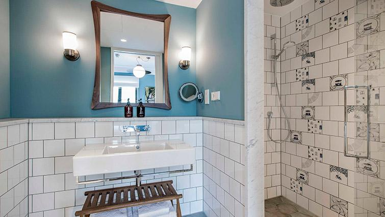 Modern shower room at Hotel Twenty Eight Apartments, Amsterdam - Citybase Apartments