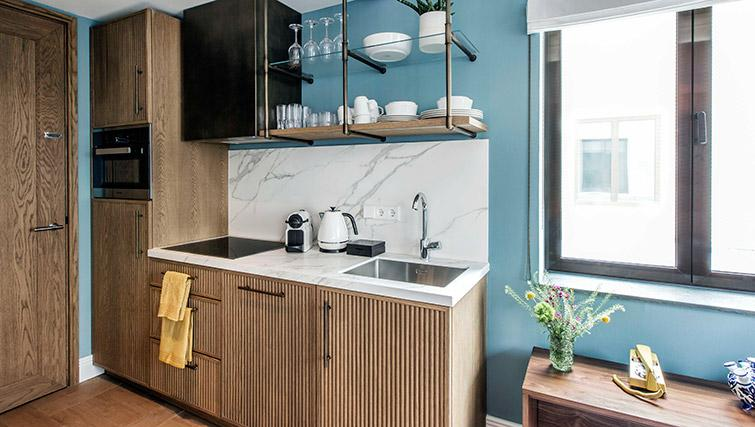 Kitchenette at Hotel Twenty Eight Apartments, Amsterdam - Citybase Apartments