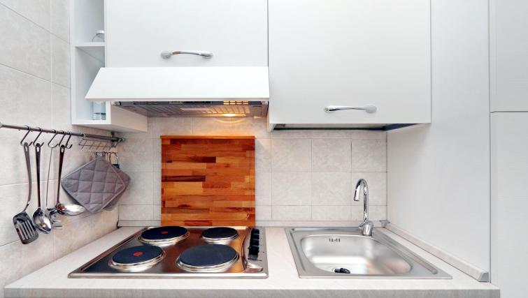 Equipped kitchen at Rodriguez Pereira Apartment - Citybase Apartments