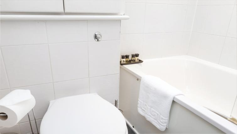 Bathroom at the Paddington Hyde Park Apartments - Citybase Apartments