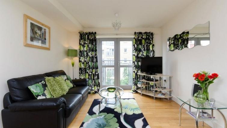 Comfortable living area in Hamilton Court Apartments - Citybase Apartments