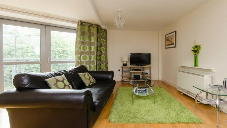Stylish living area in Hamilton Court Apartments - Citybase Apartments