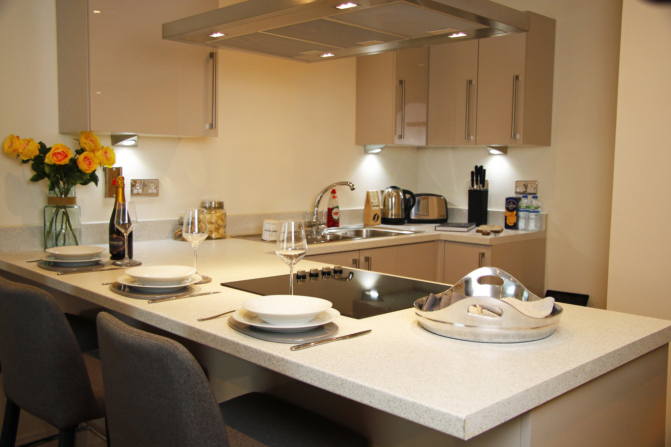 Kitchen island at Times Square Apartments - Citybase Apartments