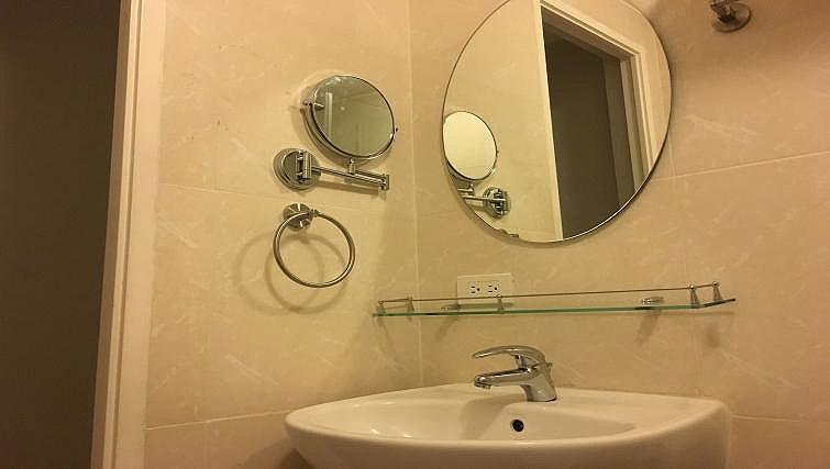 Sink at Avant Serviced Suites Personal Concierge - Citybase Apartments