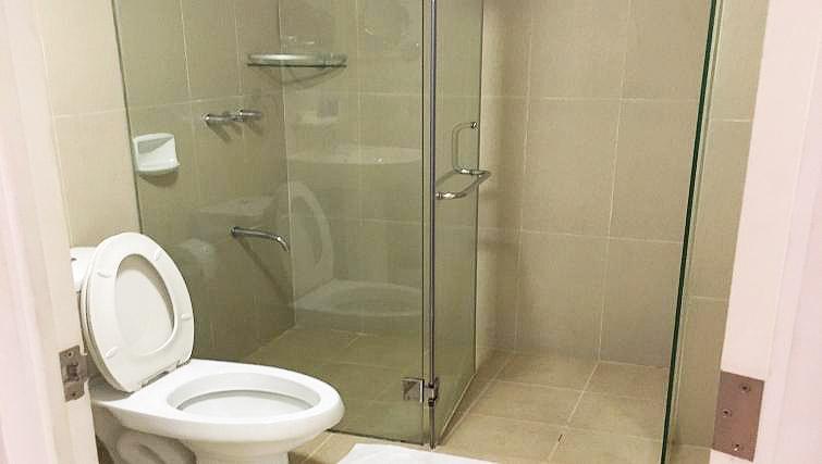 Bathroom at Avant Serviced Suites Personal Concierge - Citybase Apartments