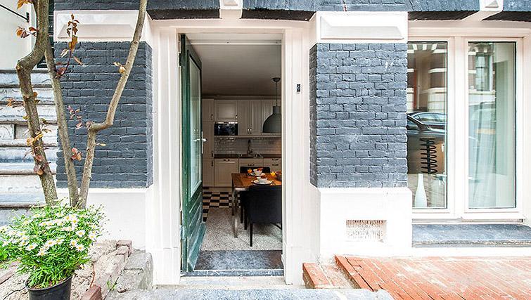 Exterior of Vondelgarden Apartments, Amsterdam - Citybase Apartments