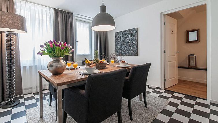 Open plan dining area at Vondelgarden Apartments, Amsterdam - Citybase Apartments