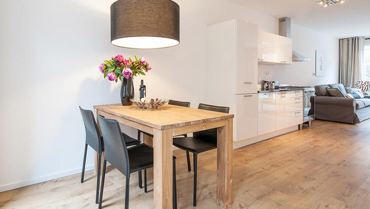 Open plan dining space at De Pijp Apartments, Amsterdam - Citybase Apartments