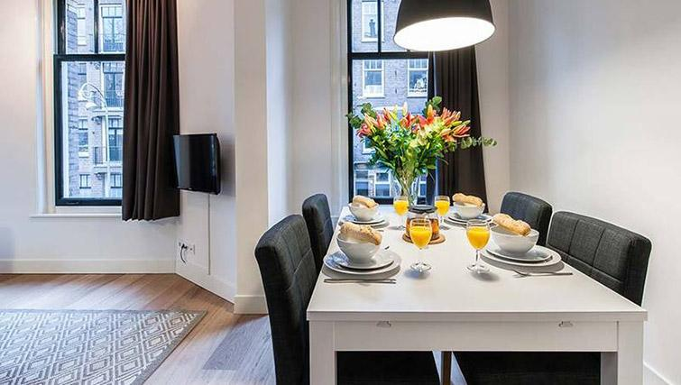 Dining area at De Pijp Apartments, Amsterdam - Citybase Apartments