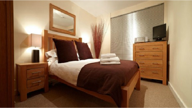 Large bedroom in The Paramount Swindon Apartments - Citybase Apartments