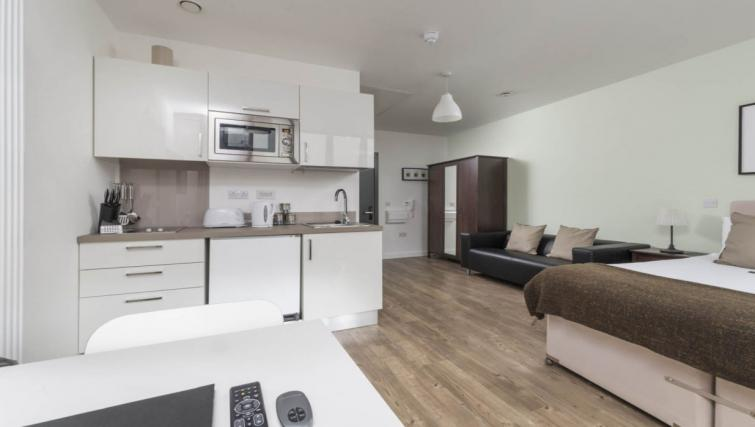 Gorgeous studio apartment at Dream Apartments at Moorfields - Citybase Apartments