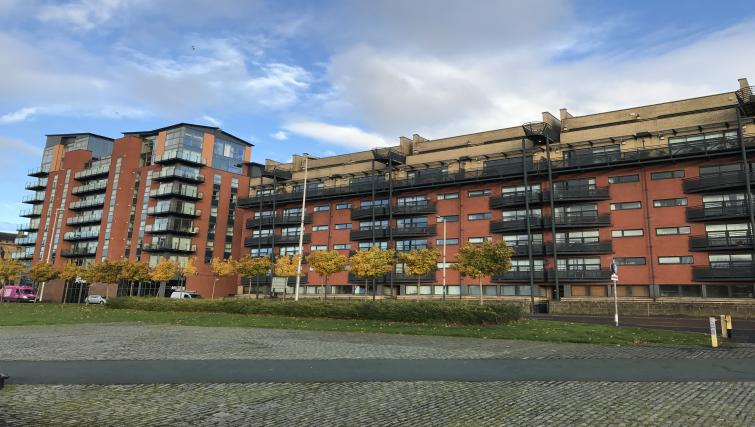 Exterior of Cutty Sark Apartment - Citybase Apartments