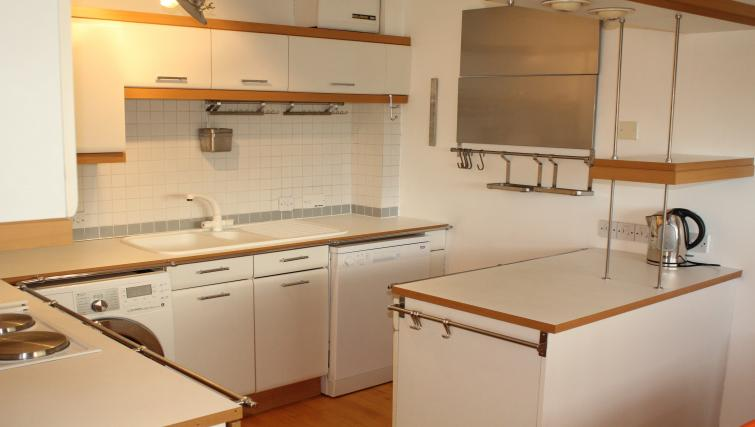 Kitchen at Cutty Sark Apartment - Citybase Apartments