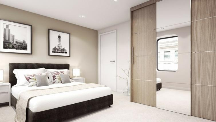 Ideal bedroom at Dream Apartments at Water Street - Citybase Apartments