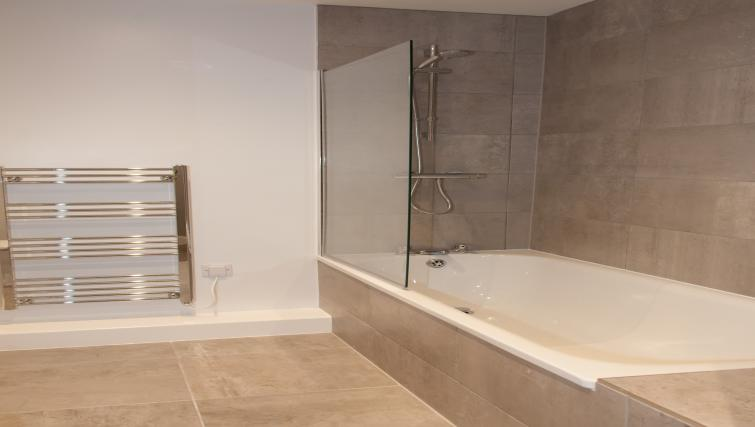 Bath at Dream Apartments Quayside - Citybase Apartments