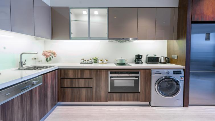 Modern kitchen at Oakwood Residence Damei Beijing - Citybase Apartments