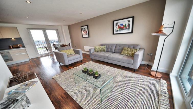 Stylish living area at Apartments at Wilburn - Citybase Apartments