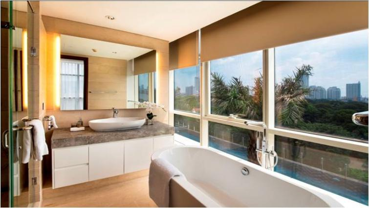 Stunning bathroom at Oakwood Apartments La Maison Jakarta - Citybase Apartments