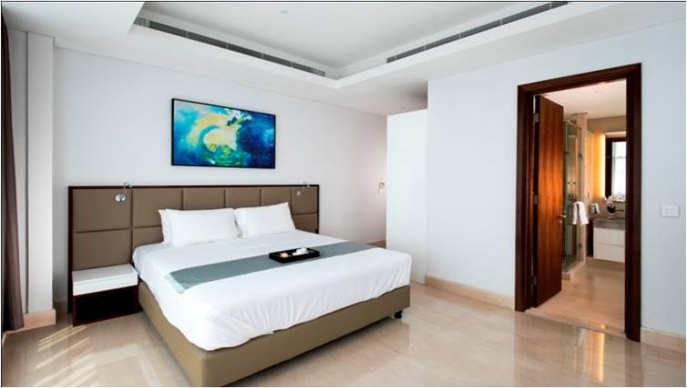 Master bedroom at Oakwood Apartments La Maison Jakarta - Citybase Apartments