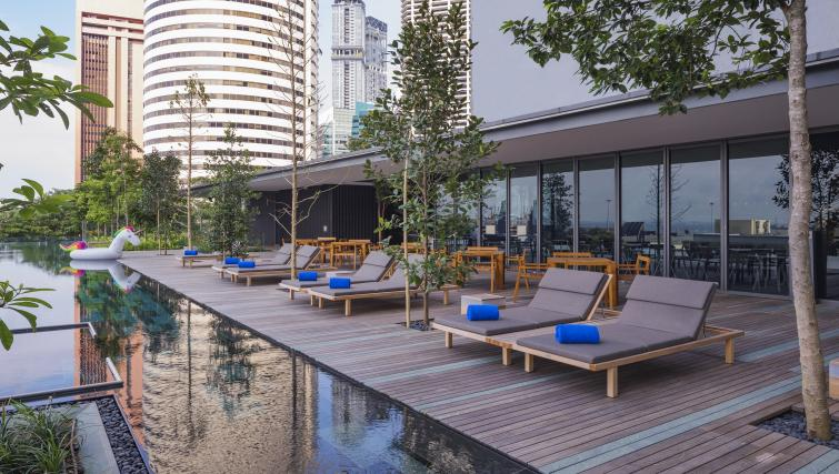On-site restaurant at Oakwood Premier OUE Apartments, Singapore - Citybase Apartments